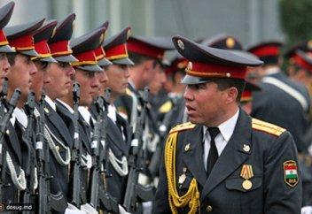 В Таджикистане правоохранителей обязали учить английский язык