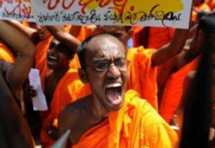 Будда радикалдары ойран салды