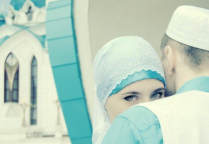 Можно ли выходить замуж за парня, не совершающего намаз?