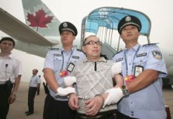 Қытай шетелге қашқан қанша коррупционерді қайтара алды?