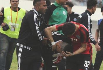 Мұсылман футбол қақпашысы өзінің сабырымен, асқан табандылығымен тәнті етті. Қалай? (фото+видео)