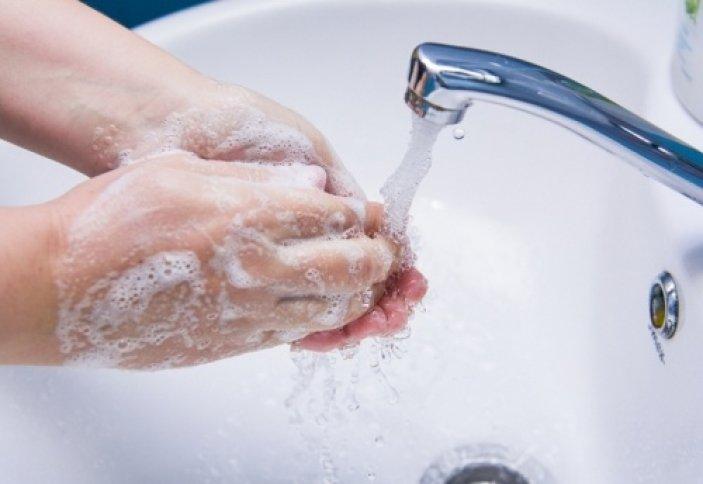 Какой водой нужно мыть руки – горячей или холодной?