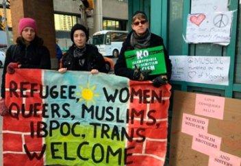 Антиисламская демонстрация закончилась проявлением любви к мусульманам