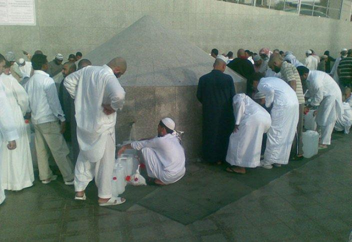 Сауд Арабиясы хуситтерді Зәм-зәм суын улағаны үшін айыптады