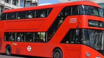 История красных двухэтажных автобусов. Лондон.