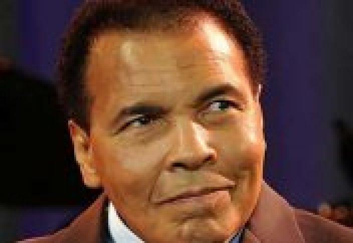 Мохаммед Али находится в тяжелом состоянии