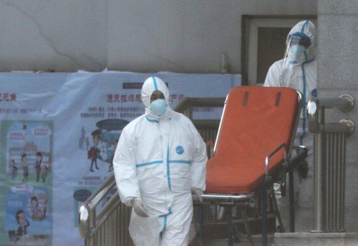 Қытайдағы пневмониямен ауырғандарды қалай тасымалдайды (видео)