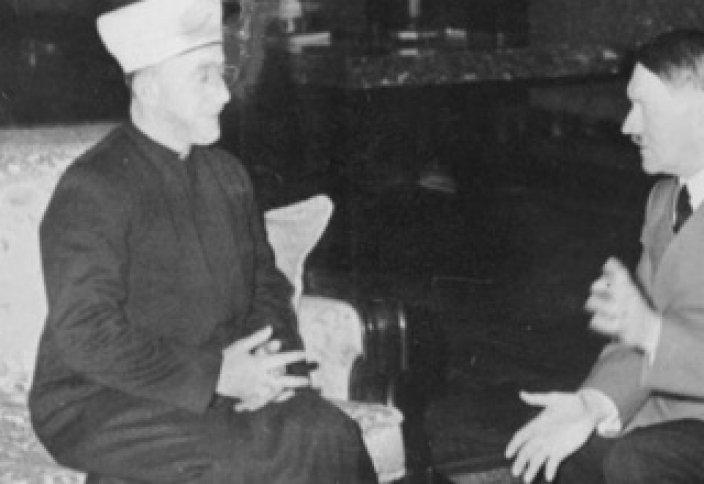 """Мұхан Исахан: Гитлер мен Сталиннің қайсысы """"Махди"""" болған?"""