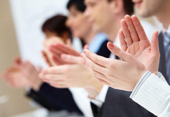 Можно ли выражать свое восхищение рукоплесканием?