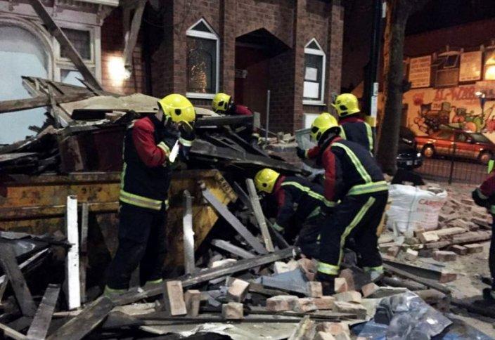 В Британии рухнула мечеть - пострадавших нет