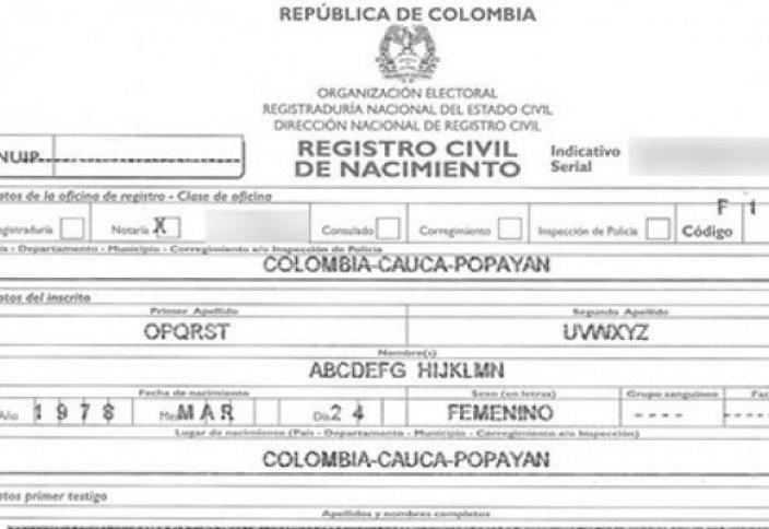 Колумбия тұрғыны аты-жөнін ағылшын алфавитінің реті бойынша жаздырды