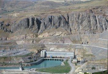 Три моря, не считая Арала, и канал на троих: водные богатства Узбекистана