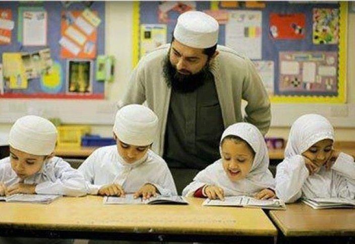 В школьную программу Пакистана вернут мусульманские элементы