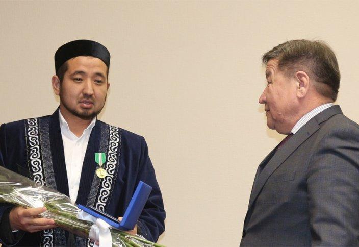 Өкіл имам Елбасының «Шапағат» медалімен марапатталды