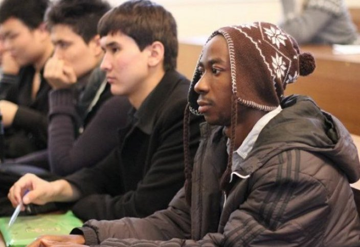 Казахстан: привлечение иностранной молодежи