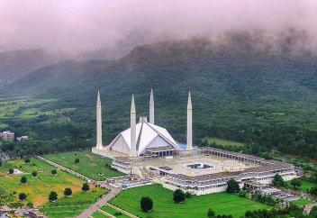 Мечеть Фейсал. Отсюда начинаются великие Гималаи