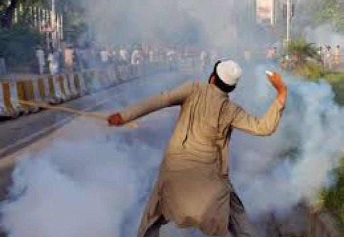 Пакистан: массовые волнения из-за карикатур на пророка Мухаммада (видео)