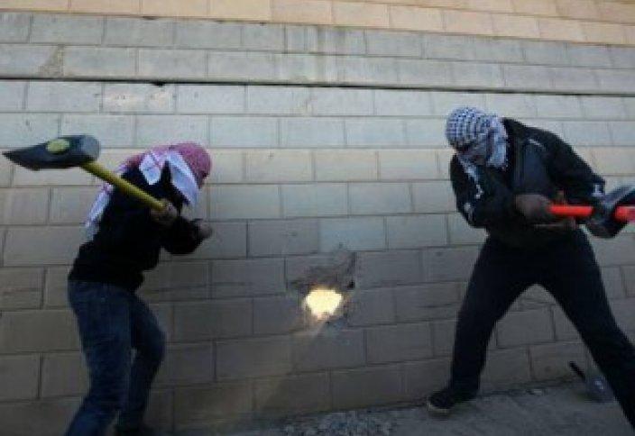 Палестинаны оқшаулаған дуал да құлайтын болады