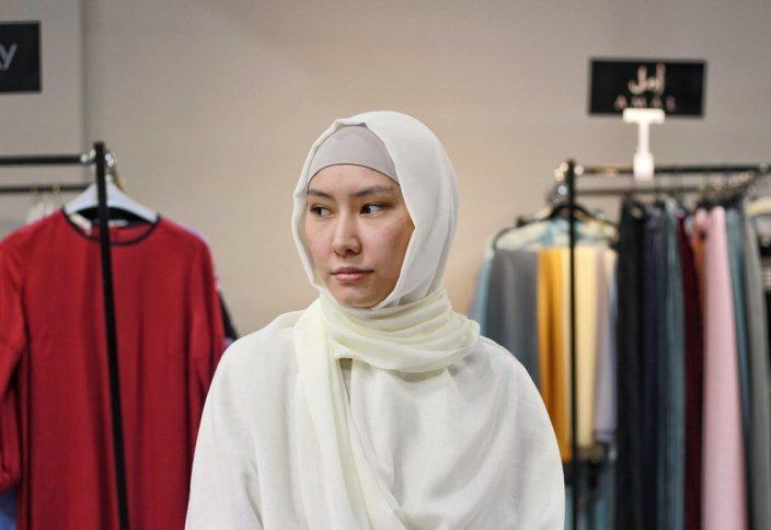 «Нужно ценить свой платок»: Мусульманки о хиджабах