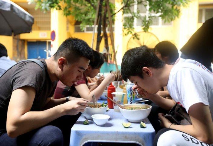 Рост продаж лапши быстрого приготовления оживил дискуссию о потребительских расходах в Китае