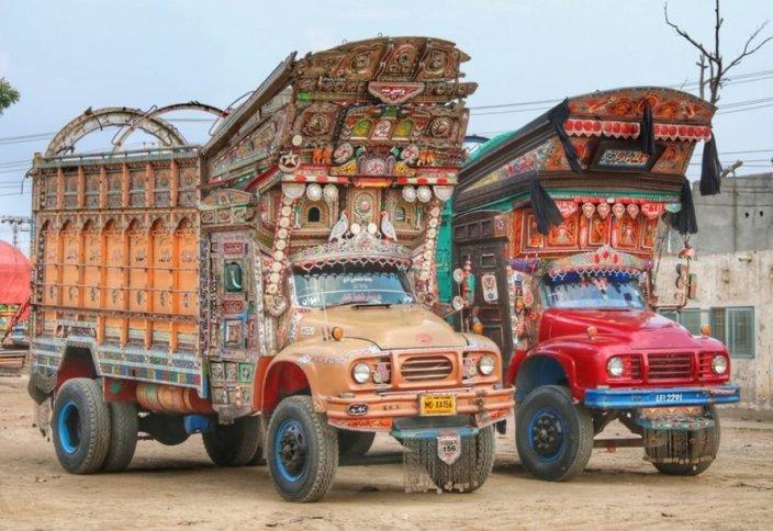 Джингл-трак – «звенящие» грузовики Юго-Восточной Азии (фото+видео)