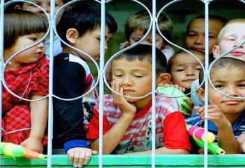 Агентства по усыновлению в Казахстане будут оказывать услуги бесплатно