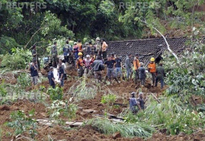 Лай көшкінінен 80 адам жоғалып кетті