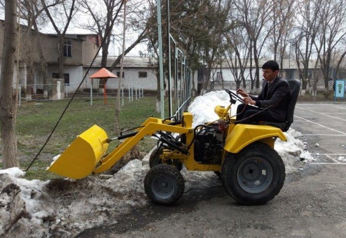 Колледж ұстаздары мен студенттері бірлесіп шағын трактор құрастырды