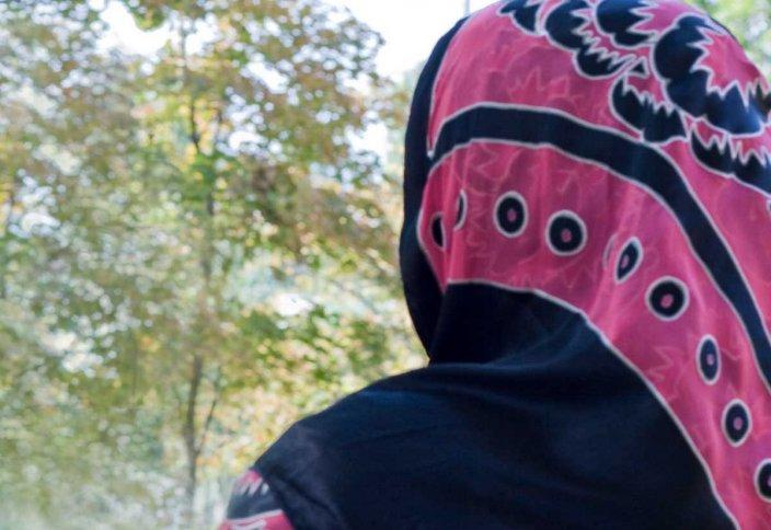 Мама не разрешает мне надевать хиджаб…