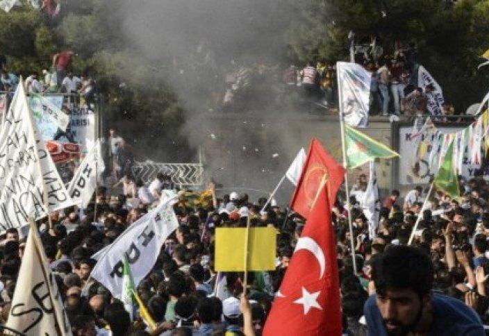 Теракт в Турции: Есть пострадавшие (видео)