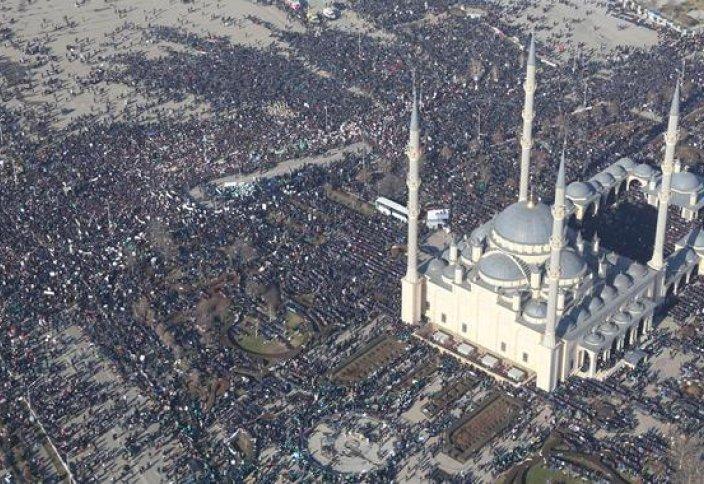 Пайғамбарымыз (с.а.у.) 1 миллион мұсылманды аяғынан тік тұрғызды (ФОТО)