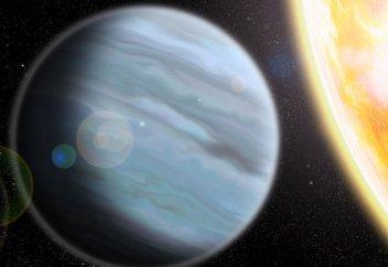 Обнаружена планета из «пенопласта»