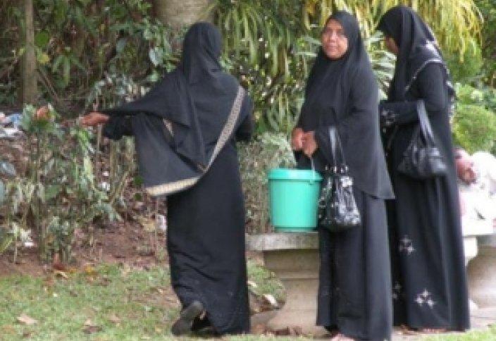 Шри-Ланкадағы мұсылман әйелдер киімдерін өзгертетін болды