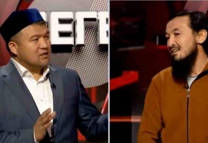 Өзін сәләфитпін деп ашық жариялаған журналист пен имам пікір таластырды (видео)