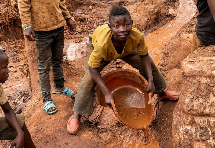 Әлемде жұмысқа жегілген балалар қарасы 160 млн-нан асып кеткен