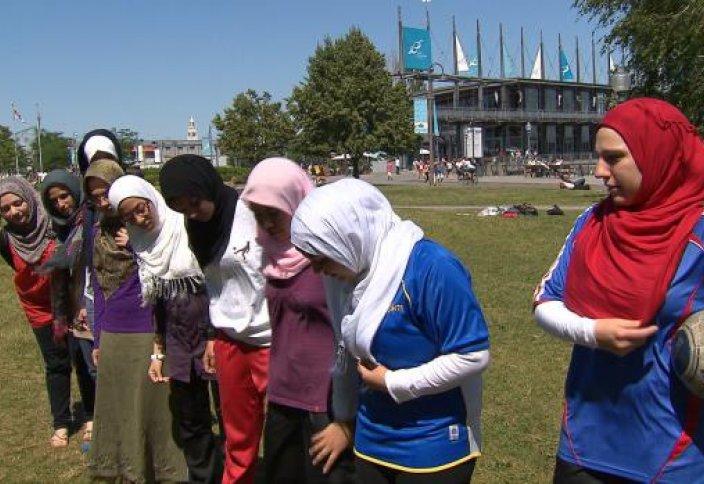Саудиялық оқушы қыздар дене шынықтыру сабағына қатысатын болды