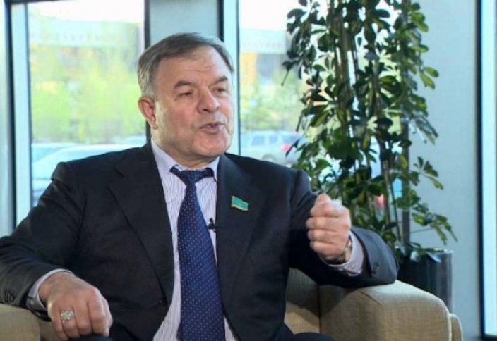 Мажилисмен Казахстана: Деградация личности посягать на святыни конфессий