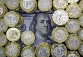 Әр қазақстандыққа шаққанда 9300 доллардан: Сарапшылар сыртқы қарыздың қаупін түсіндірді