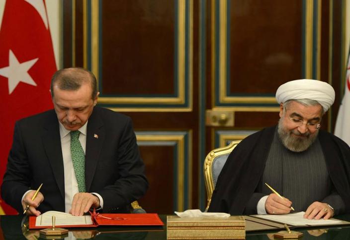 Иран и Турция отказались от доллара