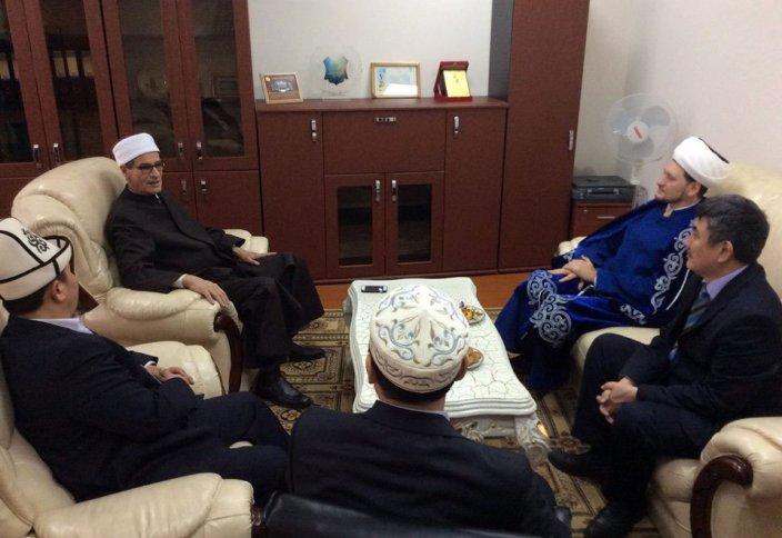 Дамир Мухетдинов провёл встречу с ректором египетского университета «Нур-Мубарак»