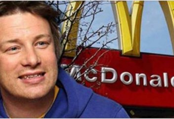 Әлемге әйгілі аспаз McDonald's-тың тағамы итке арналғанын дәлелдеп, сотта жеңіп шықты (видео)