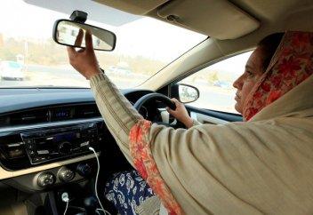 Такси со свахой набирает популярность в исламской республике