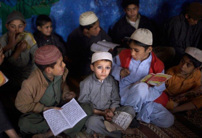 Защита детских жизней в школах Пакистана