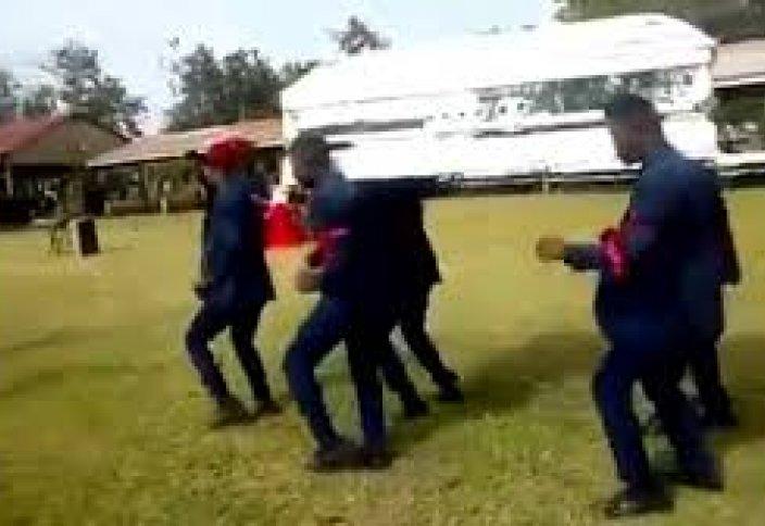 Өлген адаммен билеп қоштасатындар мәйіттен неге қашты (видео)