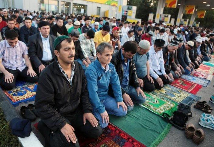 Пятничную молитву приравняли к митингу