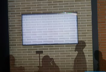 Первый взгляд на 2018 QLED TV: Samsung показал телевизоры нового поколения (фото)