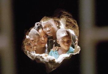 Разные: Добровольцы готовы отсидеть в нигерийской тюрьме за 13-летнего мальчика