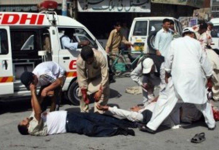 Последний джума-намаз в мечети Пакистана
