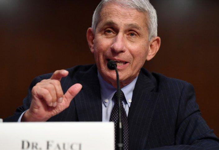 Главный инфекционист США предупредил об опасной мутации коронавируса