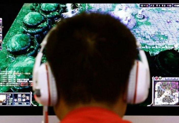Қытайлық бозбала интернет-тәуелділіктен құтылу үшін қолын кесіп тастады